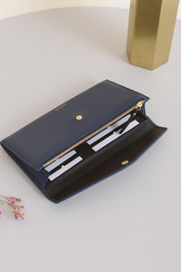 Large Edna Wallet - Navy Sale (ONLY 1)