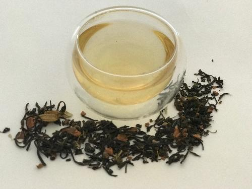 Kashmiri Kahwa is a traditional green tea from Kashmir (India) blended with exotic spices. It is an aromatic green tea with sweet and mildly spicy cardamom and cinnamon aftertaste.