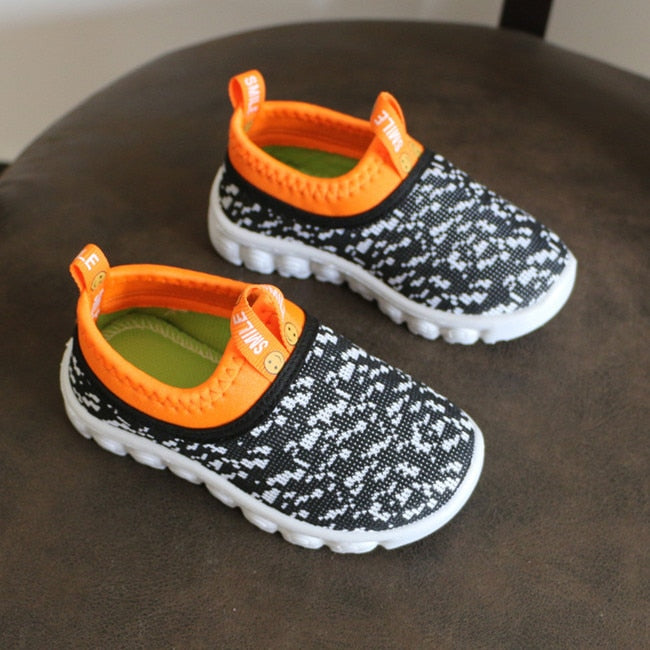 Kid's Candy Color Woven Fabric Air Mesh Sneakers - Black & Orange