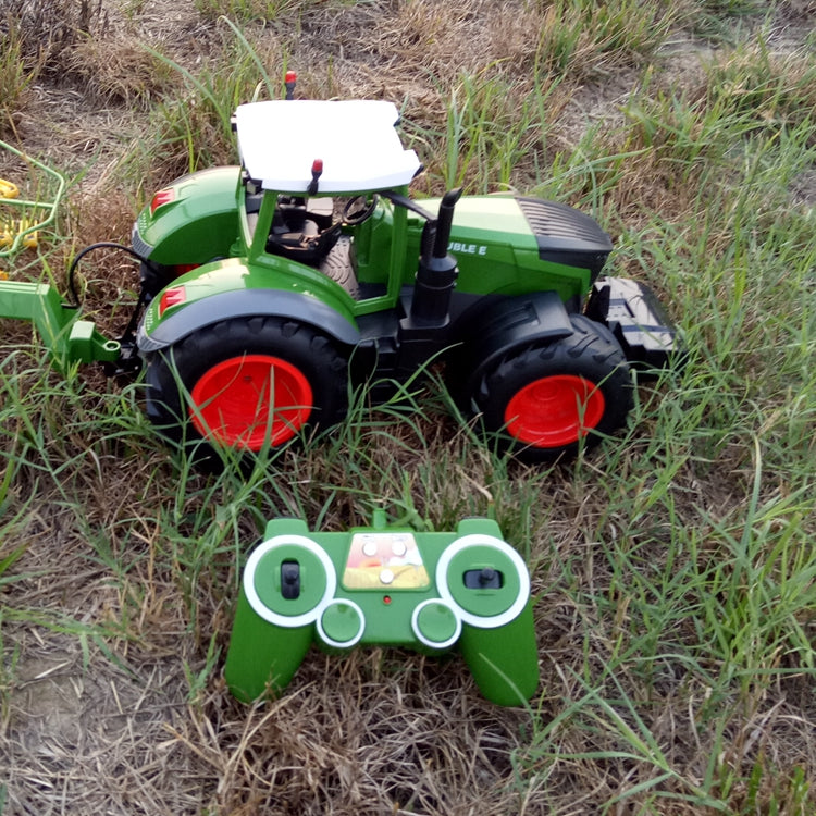 RC Farm Tractor 2.4G Remote Control 1:16 Model & Accessories