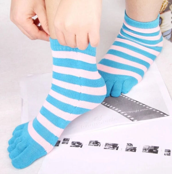 Women's Candy Color Separate Toe Striped Socks