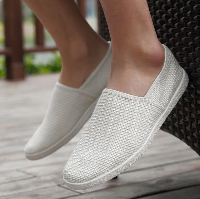 New Men Summer Mesh Shoes Loafers Slip On Super Cool Sport Water Shoes Walking Comfortable Breathable Men's Shoes zapatos