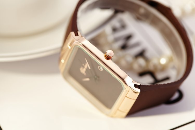 New Luxury Quartz Brand Lady Watches Women Rose Gold Square Casual Leather Dress Wrist watch Relogio Feminino Montre