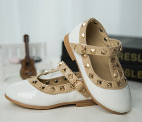 Bekamille New Girls Sandals Kids Leather Shoes Children Rivets Leisure Sneakers Girls Princess Dance Shoes