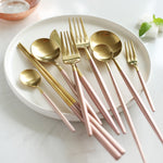 Korean Royal Pink Golden Tableware Cutlery Set Dinner Knife S poon Fork Sets 18/8 Stainless Steel Western Gold Dinnerware Set