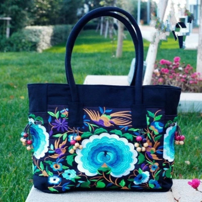 Blue Flower Women's Floral Embroidered Canvas Versatile Casual Tote