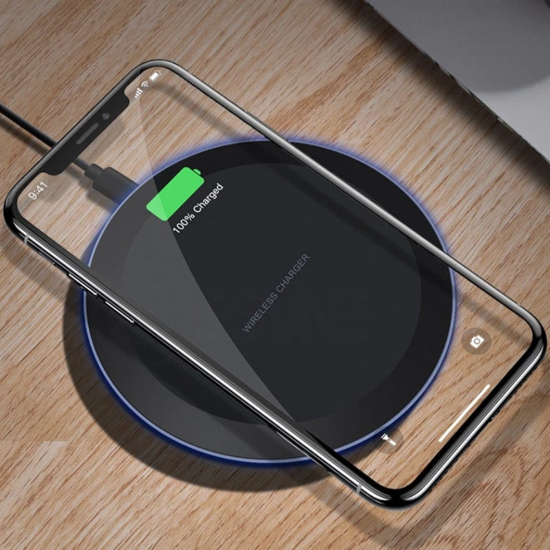 Qi Wireless Fast Charger for iPhones and Samsung Phones - Black