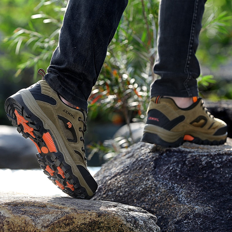 Men's Lightweight Breathable Hiking Shoes