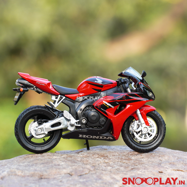 Honda CBR1000RR Diecast Bike Scale Model (1:18 Scale)