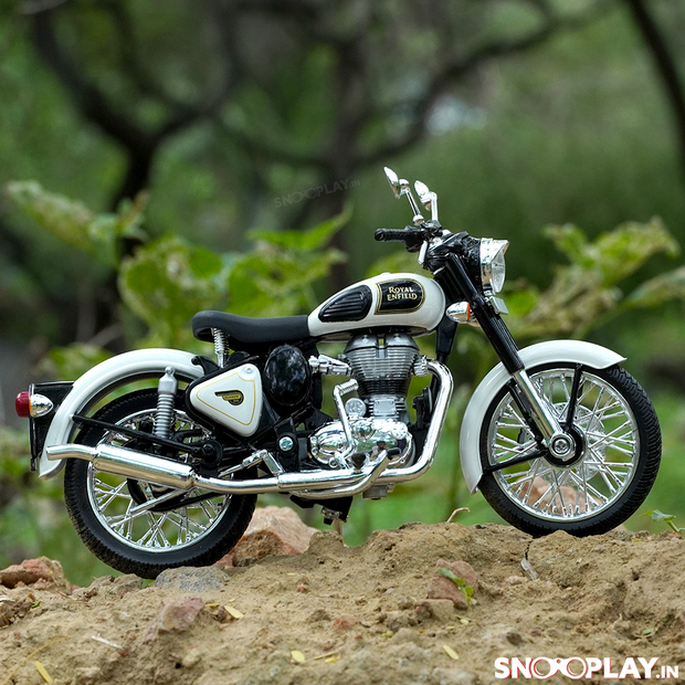 Buy Royal Enfield Classic 350 Die Cast Bike Model (White) 1:12 Scale model for home Decor and collectors Right