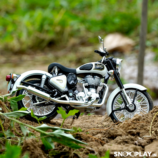 Buy Royal Enfield Classic 350 Die Cast Bike Model (White) 1:12 Scale model for home Decor and collectors Right 2