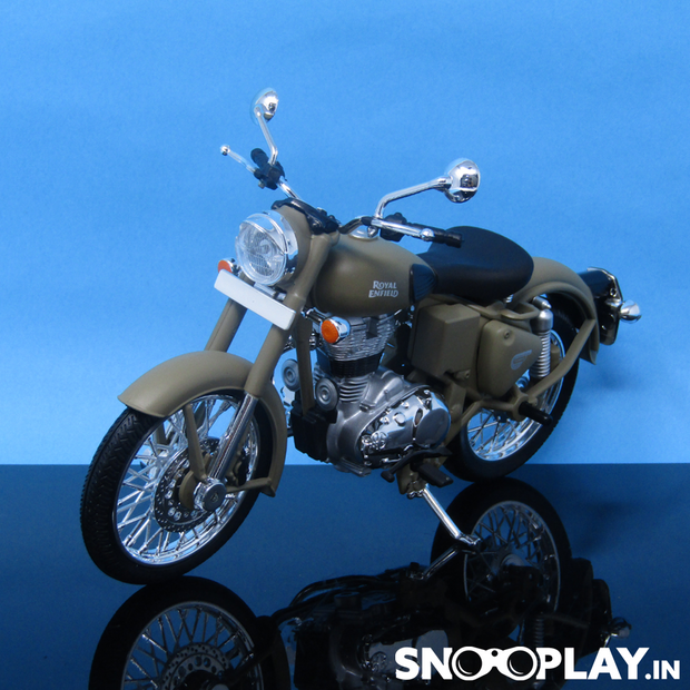 Royal Enfeild Classic 500 Die Cast Bike Model (Desert Storm)