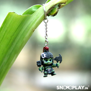 The keyring of Hulk from the movie Thor Rangnarok, attached on the plant.