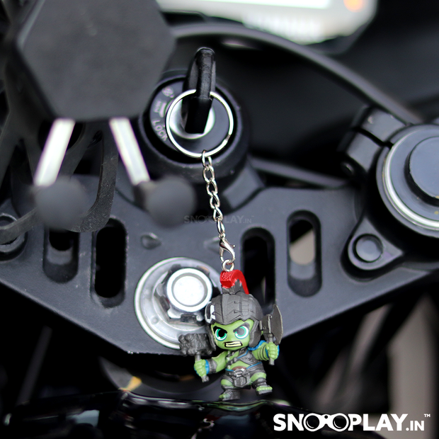 Hulk - Thor Rangnarok bobblehead keyring attached on the bike.