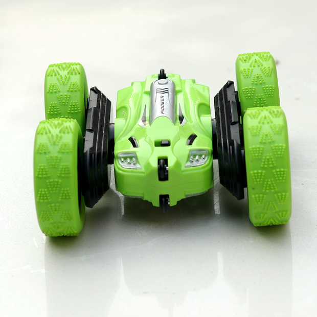 Remote Control Car Stunt Racing Machine with Lights