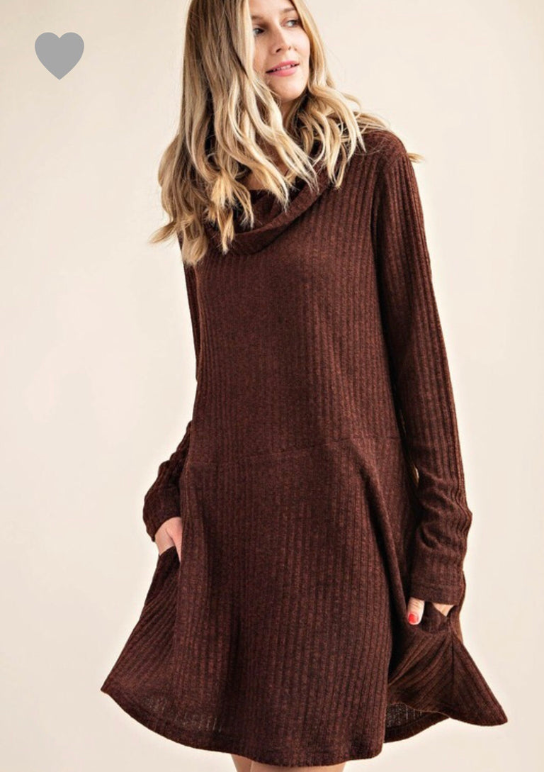 Ribbed loose turtleneck dress