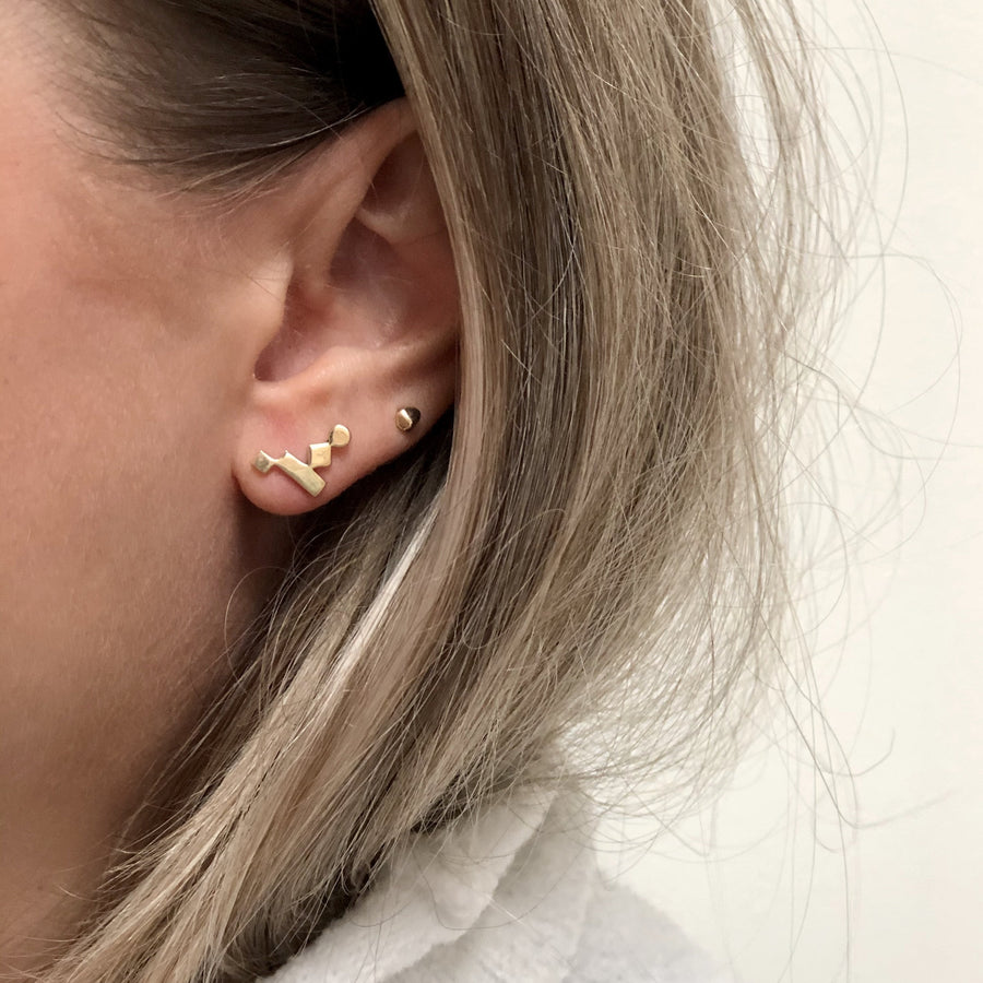 TINY MANI STUD EARRINGS