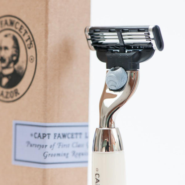 Finest Hand Crafted Safety Razor - Bowler Vintage