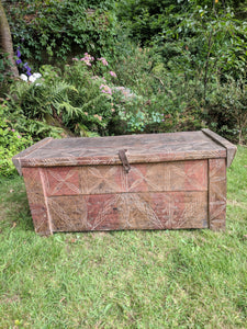 Wood trunk, wedding chest, Romanian trunk