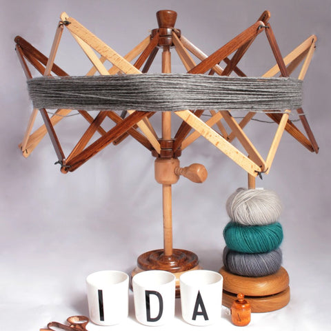 Yarn swift -tabletop woolwinder- Ida's House