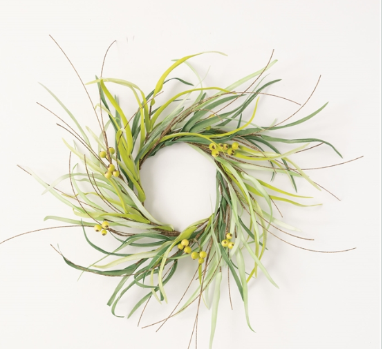 Grass & Berry Accent Wreath