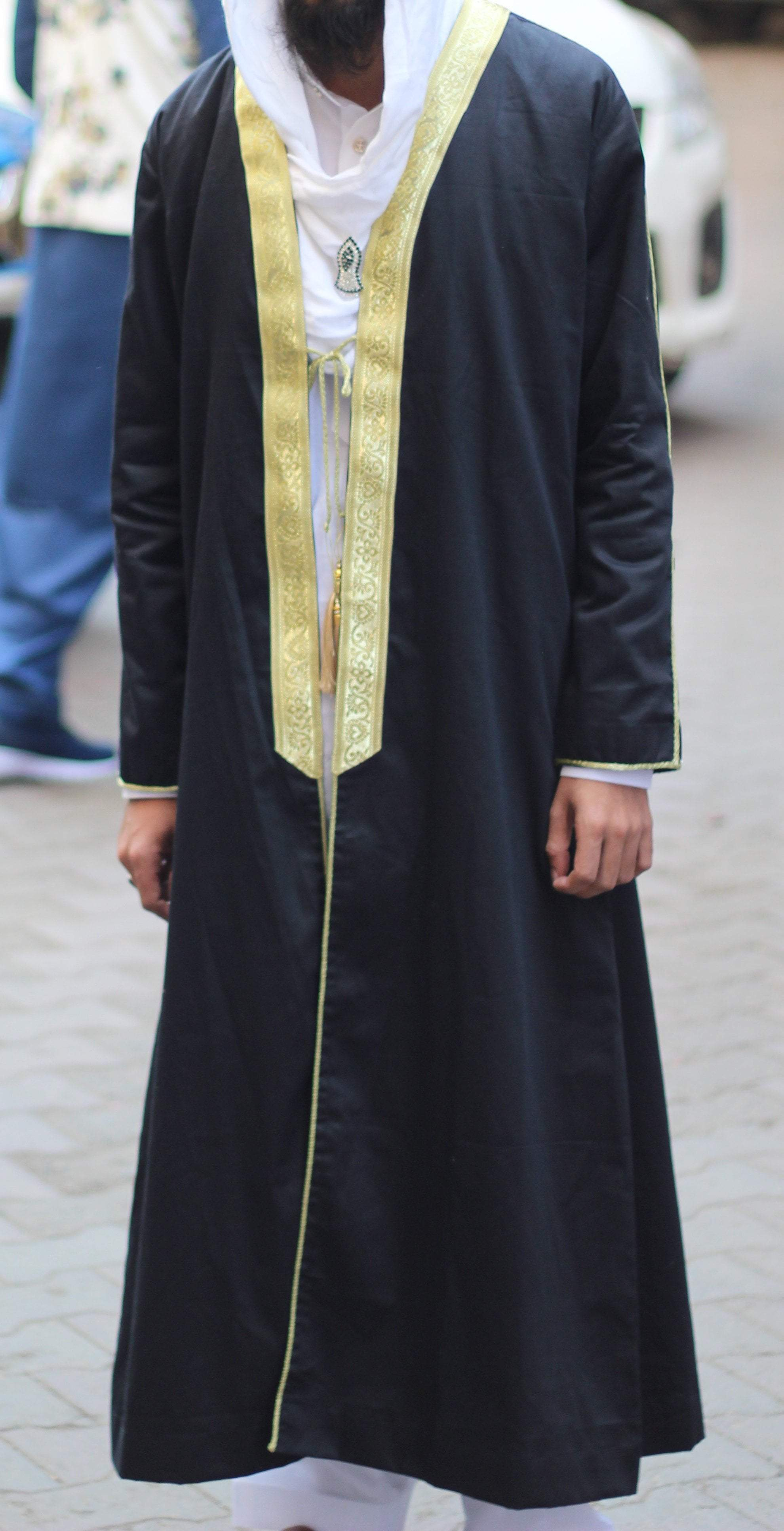 Buy Arabic Bisht Thobe Black Colour With Sleeves Online in india | Adilqadri.com