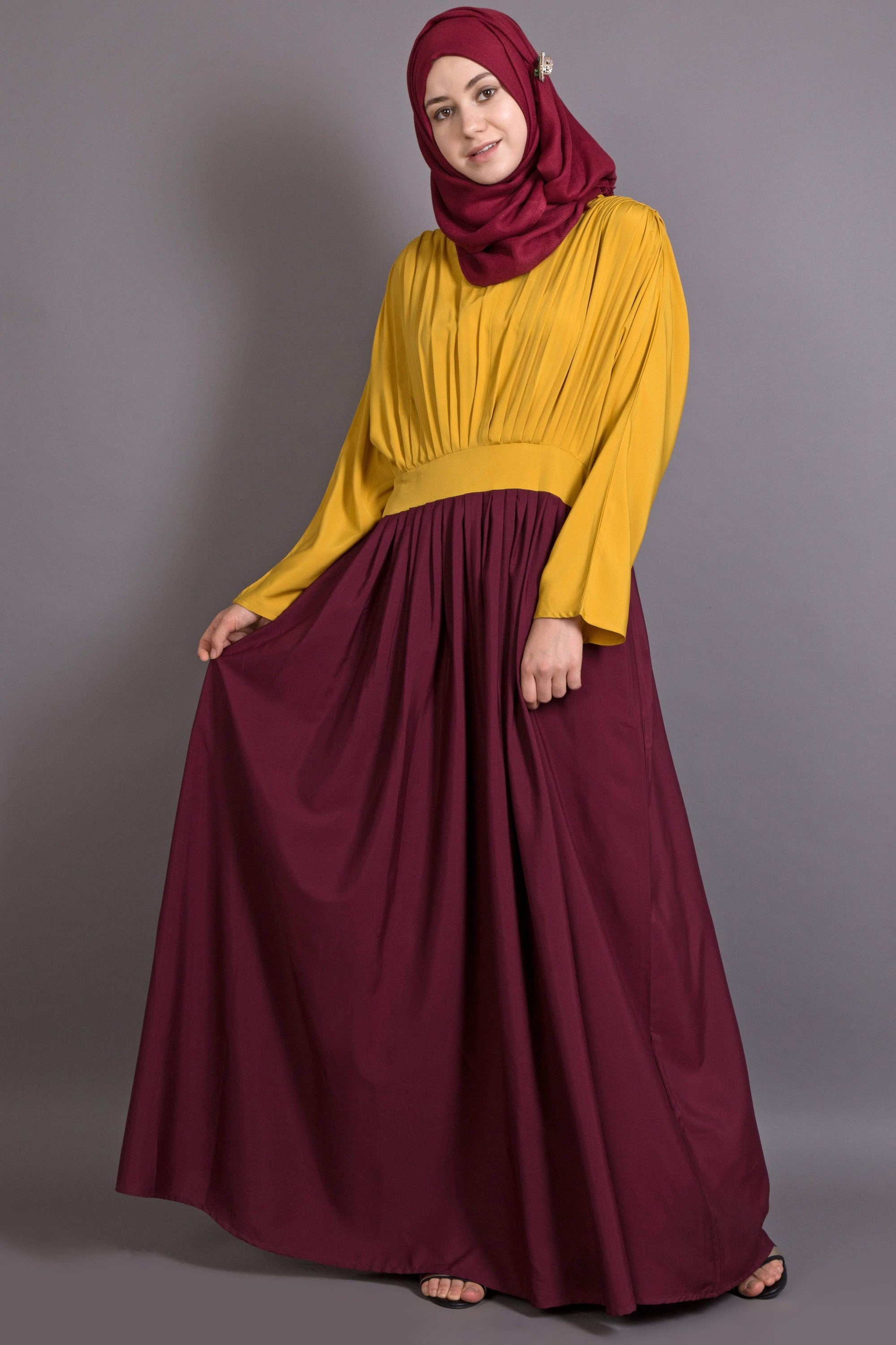 Nazneen pleated contrast casual chic abaya