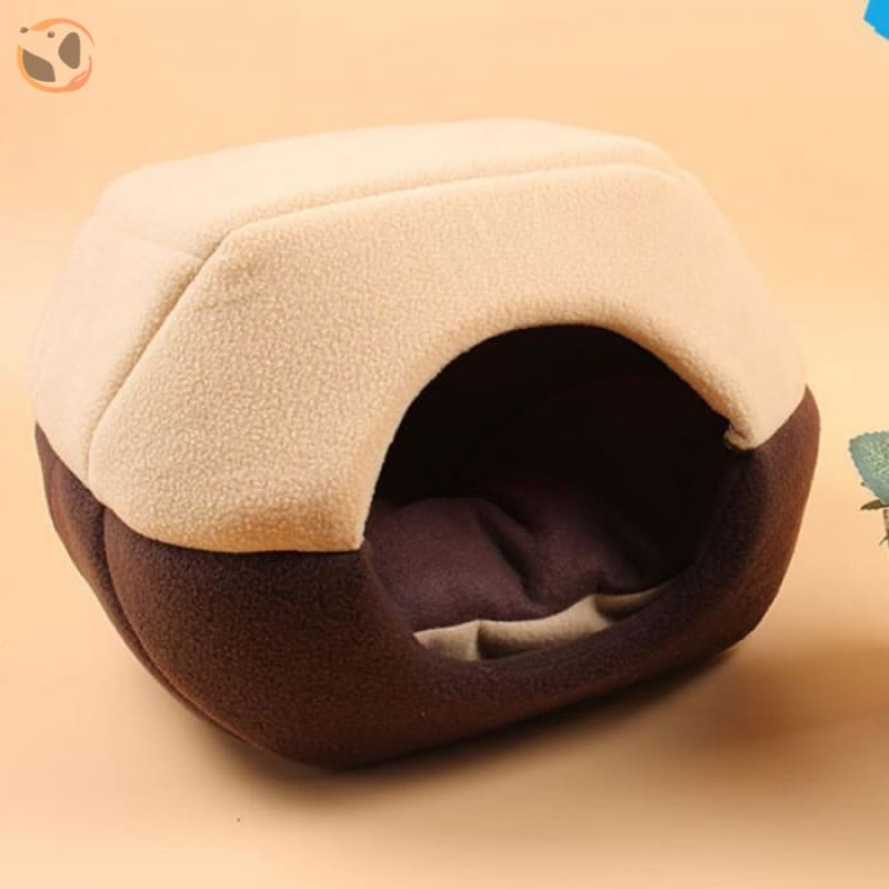 Winter House with Sleeping Mat for Pets