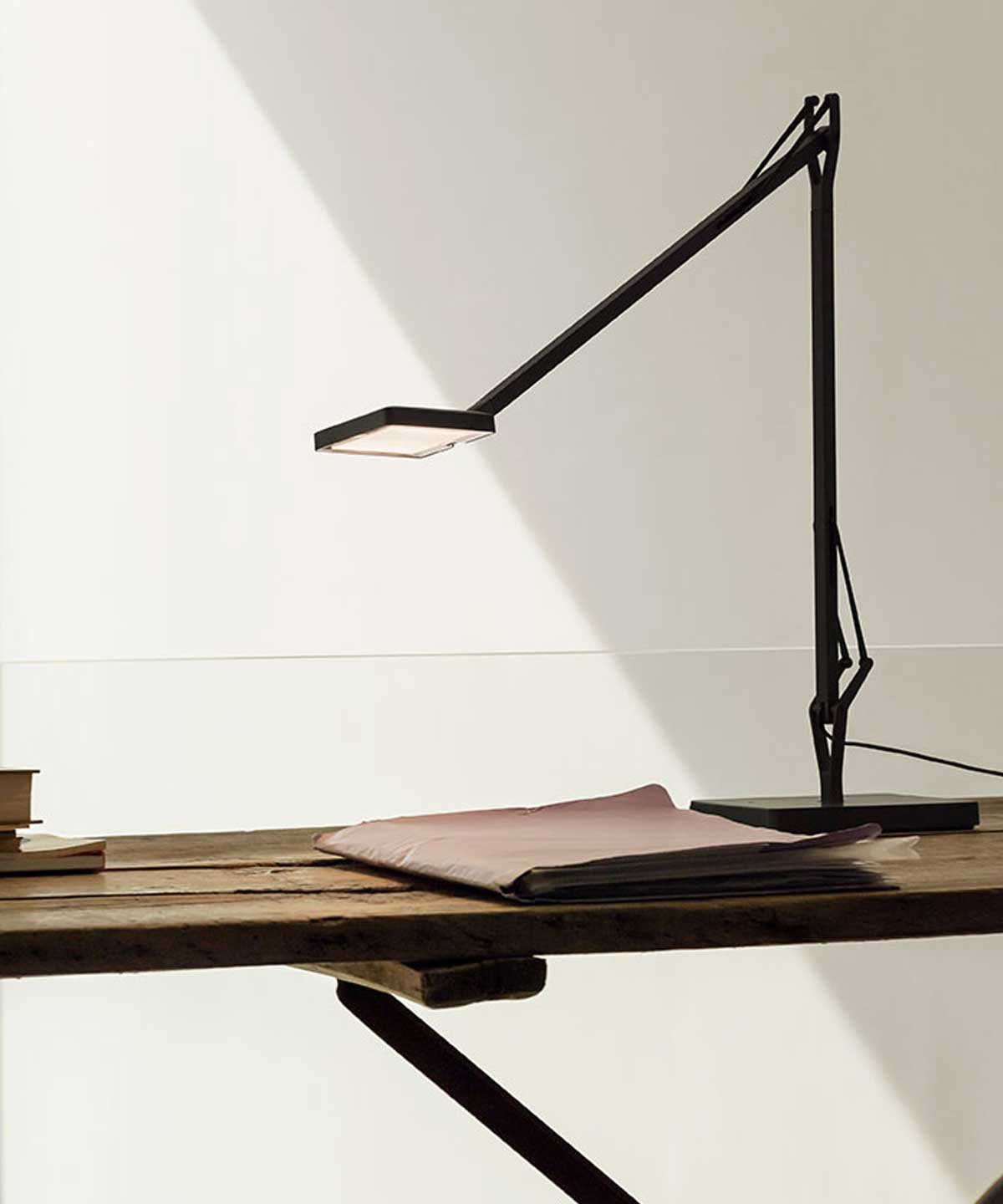 Kelvin Edge Table Lamp
