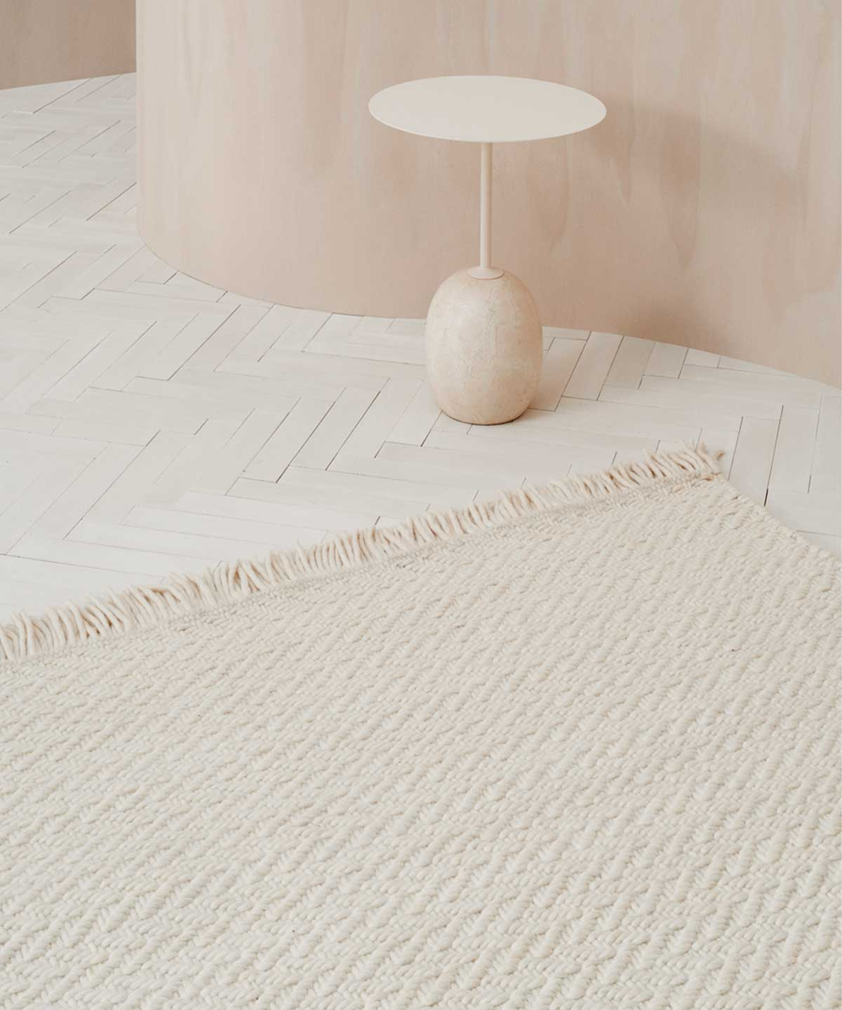 Idun Rug in White