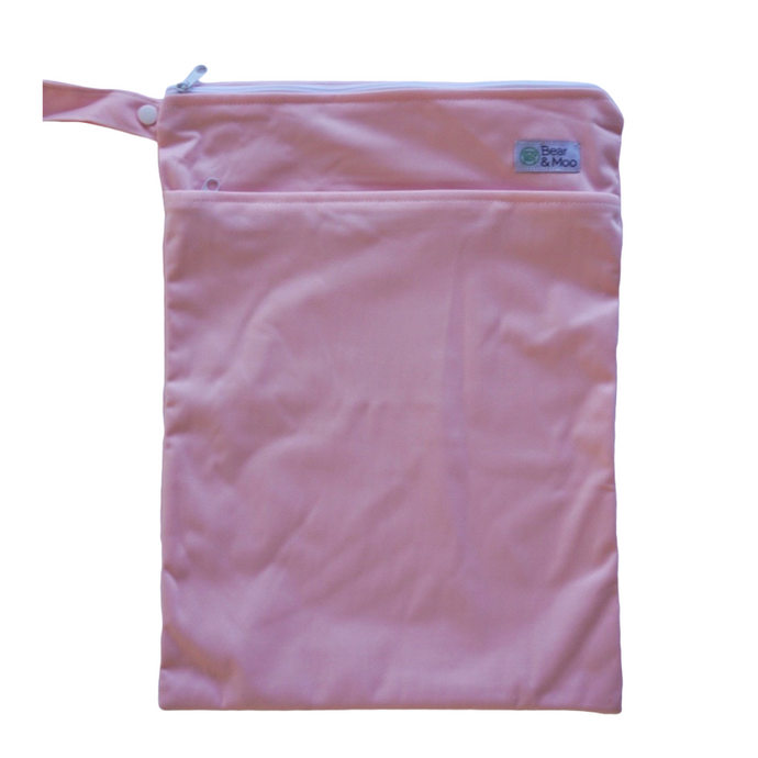 Dusky Pink Wet Bag | Bear & Moo | Bear and Moo | Hamilton, New Zealand | wet bag | wetbag | cloth nappy | reusable nappies | modern cloth nappies | environmentally friendly | save money | good for the environment | alternative to plastic | sustainable living | waste free | Dusky Pink Wet Bag