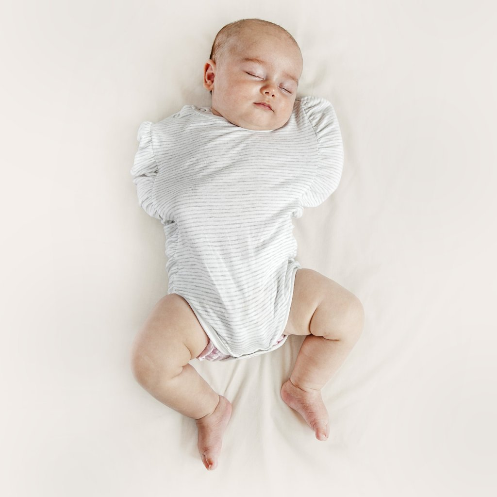 Oohbubs Legs Out Swaddle | Bear & Moo | Bear and Moo | Hamilton, New Zealand | swaddle | baby wrap | cloth nappies | environmentally friendly | save money | good for the environment | sustainable living | waste free | Oohbubs Legs Out Swaddle