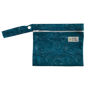 Cove Mini Wet Bag | Bear & Moo | Bear and Moo | Hamilton, New Zealand | wet bag | wetbag | cloth nappy | reusable nappies | modern cloth nappies | environmentally friendly | save money | good for the environment | alternative to plastic | sustainable living | waste free | Cove Mini Wet Bag