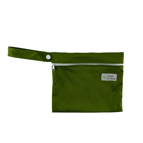 Olive Mini Wet Bag | Bear & Moo | Bear and Moo | Hamilton, New Zealand | wet bag | wetbag | cloth nappy | reusable nappies | modern cloth nappies | environmentally friendly | save money | good for the environment | alternative to plastic | sustainable living | waste free | Olive Mini Wet Bag