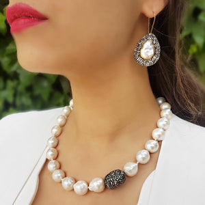 Monroe Pearl Necklace