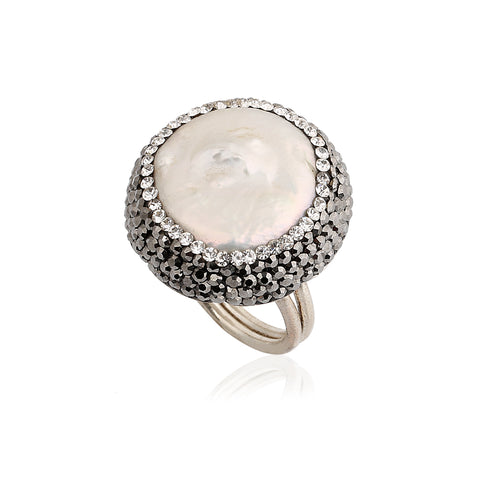 Circle Pearl Ring