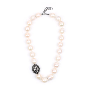 Valentine Baroque Pearl Necklace