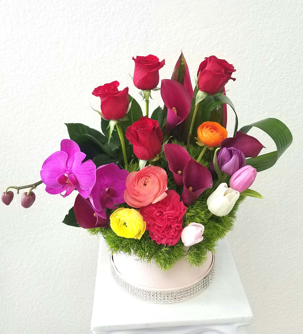 JF128- Mix Flowers in Round Box