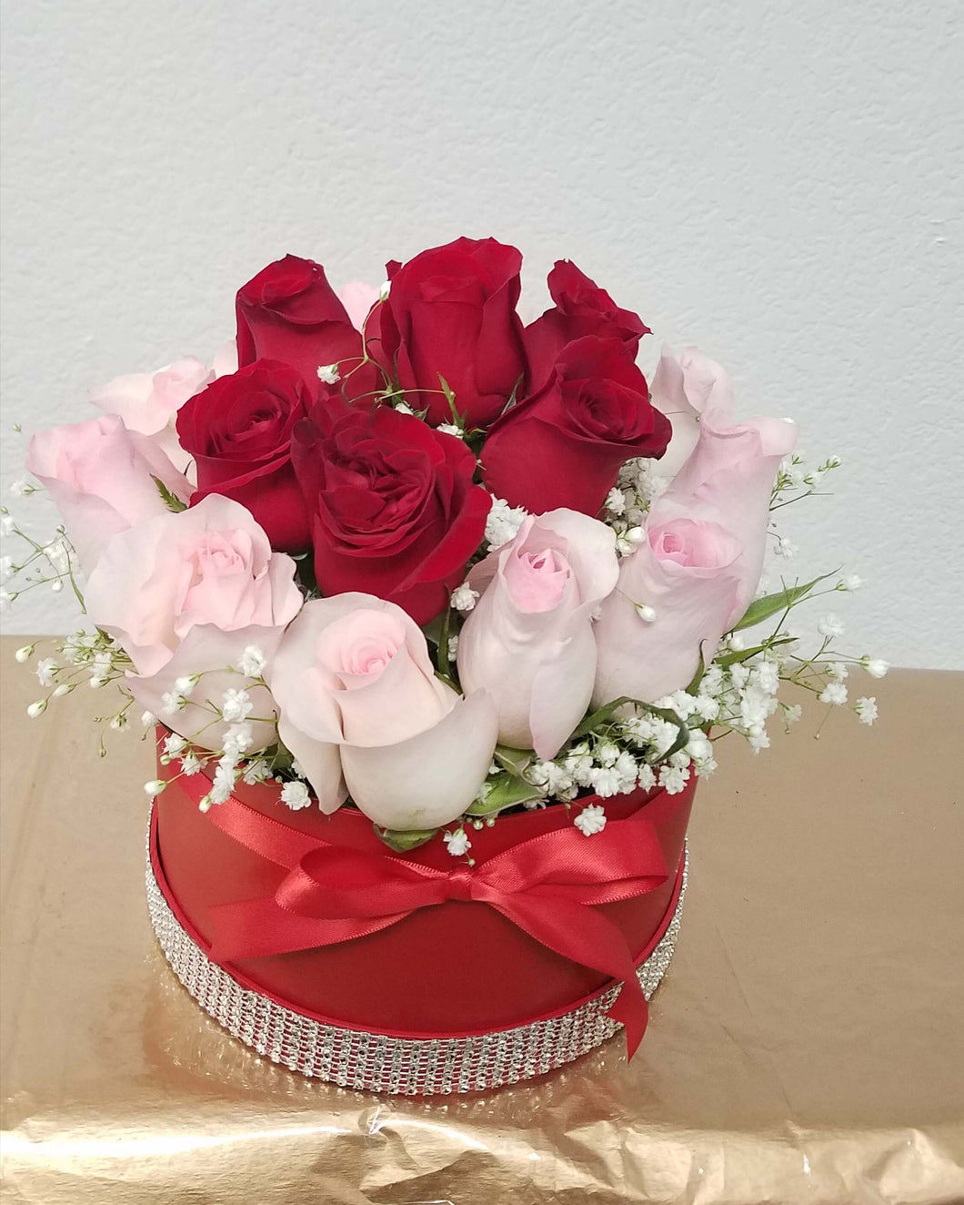 JF130- Roses in a Round Box
