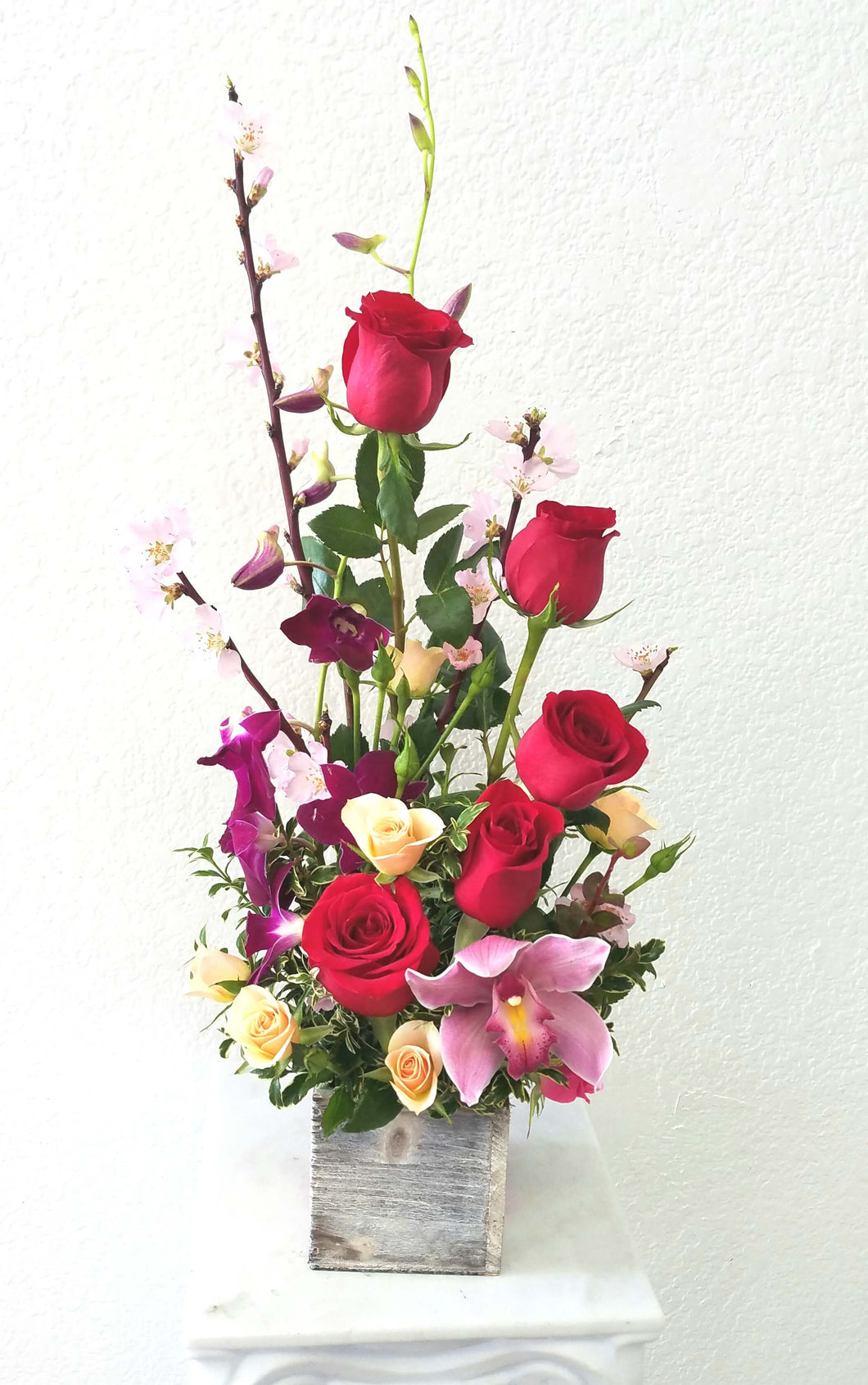 JF131- Roses & Flowers Arrangement