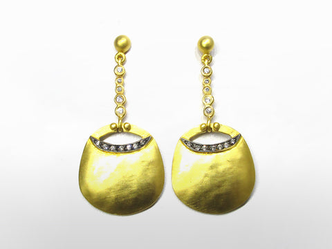 SKU 173-124 - Yellow Gold & Diamond Pendent Earrings by Kurtulan