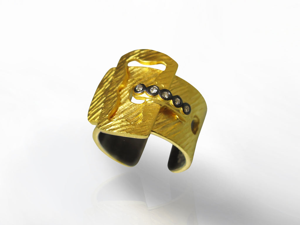 SKU 173-168 - Yellow Gold and Diamond Buckle Ring by Kurtulan