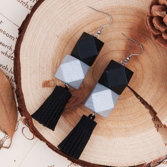 8SEASONS Fashion Women Earrings Silver-gray Black Square Wooden Beads Black Suede Velvet Tassel Romantic Earrings 99x20mm, 1Pair