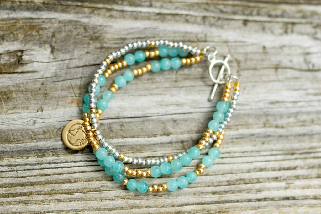 BE ONE. BE KIND. AVENTURINE THREE STRAND BRACELET WITH GOLD & SILVER GLASS BEADS