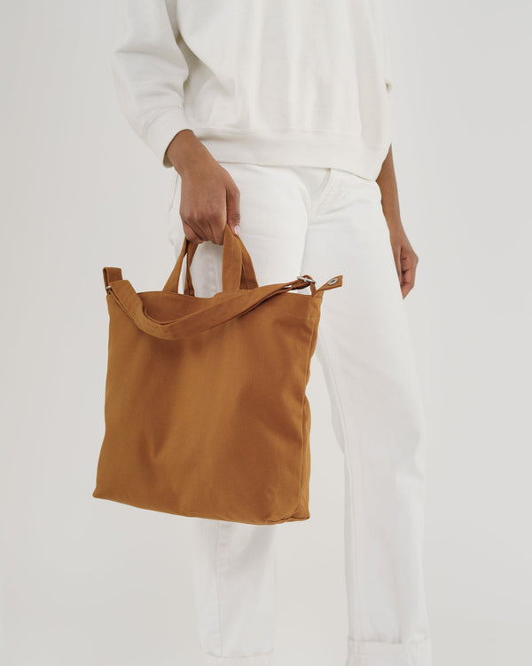 Practical Summer Bags with the BAGGU Horizontal Duck Bag