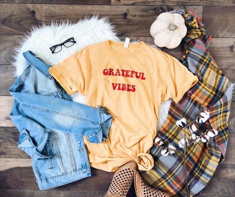 Grateful Vibes ✌🏻 Graphic Tee