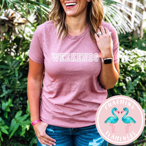 Weekends Graphic Tee in Mauve