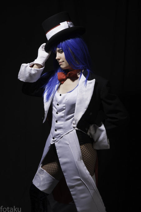 Show Us Your Moves: Margot La Rue Cosplays Zatanna from DC Ame-Comi Girls