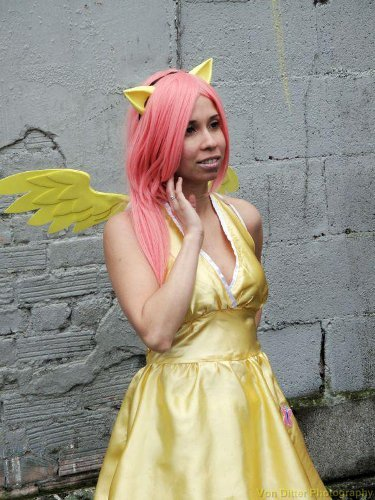 Show Us Your Moves: Devious Kitty cosplays as Fluttershy!