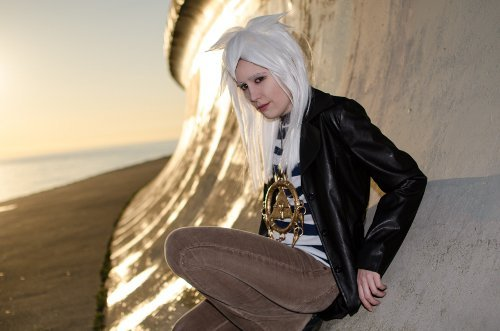 Show Us Your Moves Submission: Margot La Rue cosplays as Bakura!